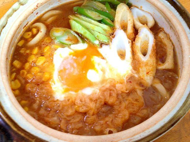 朝食は昨日の博多赤味噌もつ鍋の残りのスープを使って煮込みうどん! 美味しい^_^ - 12件のもぐもぐ - 赤味噌もつ鍋煮込みうどん by カウンター嬢