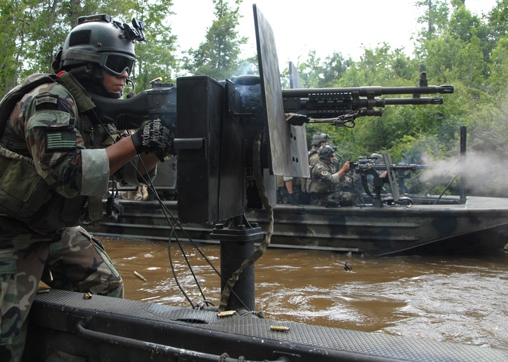 One of my favorite US Special Operations devisions is the US Navy's Swcc crews or  Special Warfare Combatant-craft. US Navy Swcc crew sporting a dual Ohio Ordnance M240 Bravo gun mount.