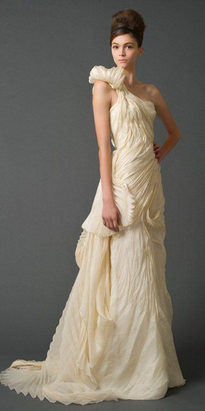 Vera wang wedding dress robes et mariage pinterest for Vera wang robes de mariage d hiver