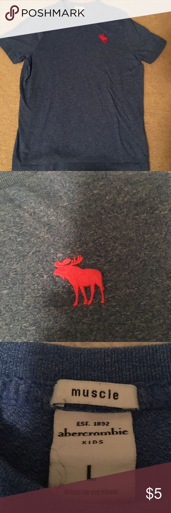 🆕abercrombie kids icon tee Boys abercrombie kids icon tee in blue. Signature moose in red. Good condition, some visible wear/pilling   ➳SAME OR NEXT DAY SHIPPING                                        ➳No trades, thank you!  ➳Make me an offer! ➳Lowballs declined ➳Ask questions BEFORE purchasing! abercrombie kids Shirts & Tops Tees - Short Sleeve