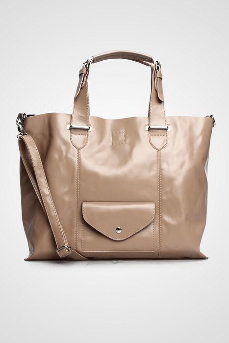 Madison bag #handbag #taswanita #bags #fauxleather #kulit #messengerbag #simple #fashionable #stylish #trend #colors #mocca Kindly visit our website : www.bagquire.com