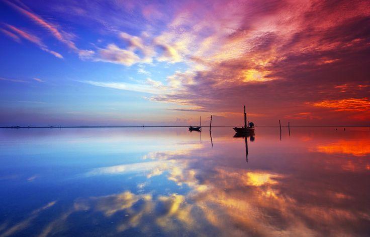 Jubakar Sky Reflection by Razali Ahmad, via 500px