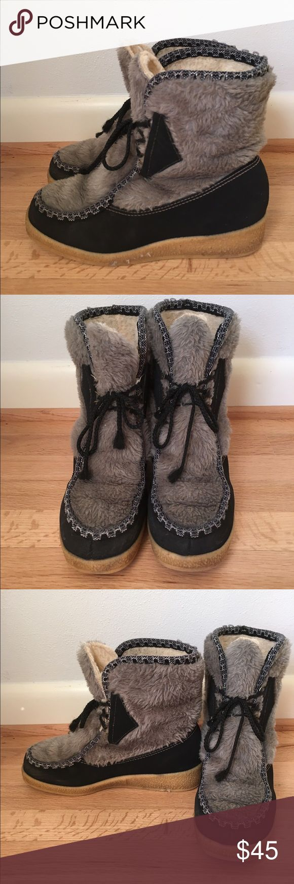 Women's Snowland vintage shearling boots, sz 10 Womens Size 10 Black And Gray Mukluk Boots With Faux Sherpa Fur Inside. Warm Winter Ankle Boots With 3 Silver Metal Half Rings On Each Side For Closures And Black Boot Laces. Body Of The Boot Is Black Faux Leather Like Suede With Gray Fur And Black/Gray Rope Trim. Heel Is A Tan Wedge Man Made Rubbery Substance With Nice Tread On The Soles. Boot In Very Good Vintage Condition; withonly a Small Amount Of Wear Inside And Outside.  No Scuffs Or…