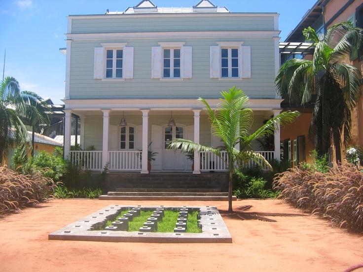 Jardin de la Drac  a la Réunion, la Fontaine d'herbes by Gilles Clement