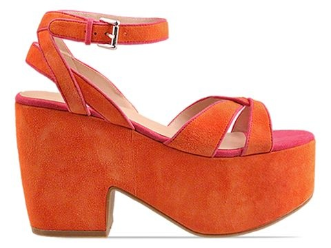 coral suede wedges. perfect summer shoe.