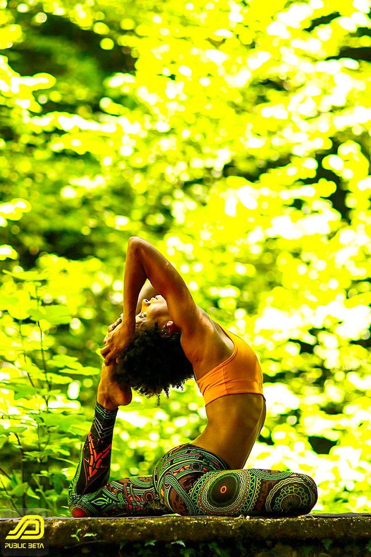 Mastermind Leggings by Public Beta Wear Clothing Label, www.publicbetawear.com , Yoga with Ozgecan Tapa, www.ozgecantapa.com , Photographer: Serkan Kizilkaya,   www.serkankizilkaya.com #yogawear #yogaleggings #asana #publicbetawear