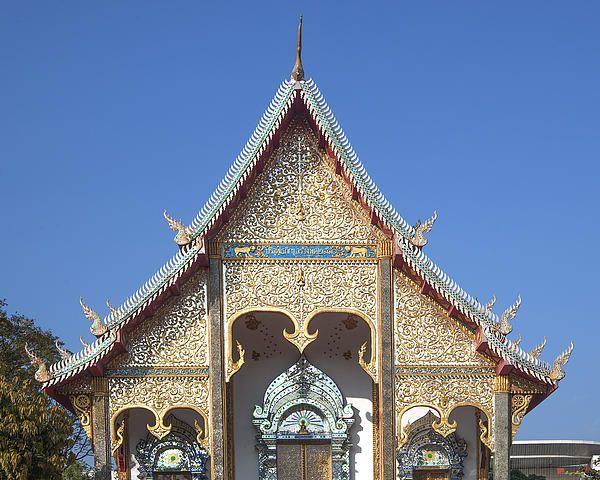2013 Photograph, Wat Sri Don Chai Phra Wiharn Gable, Tambon Chang Khlan, Mueang Chiang Mai District, Chiang Mai Province, Thailand. © 2013.  ภาพถ่าย ๒๕๕๖ วัดศรีดอนไขย หน้าจั่ว พระวิหาร ตำบลช้างคลาน เมืองเชียงใหม่ จังหวัดเชียงใหม่ ประเทศไทย