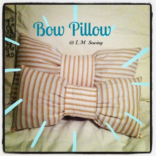 L.M. Sewing: Bow Pillow Tutorial