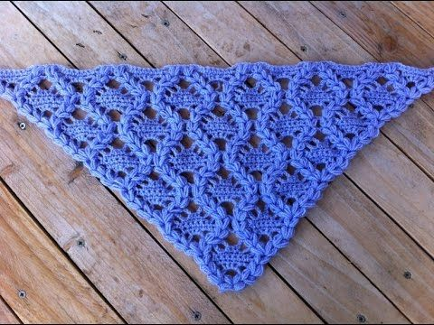 Scialle triangolare all'uncinetto - Triangular shawl crocheted - Solo Video Uncinetto