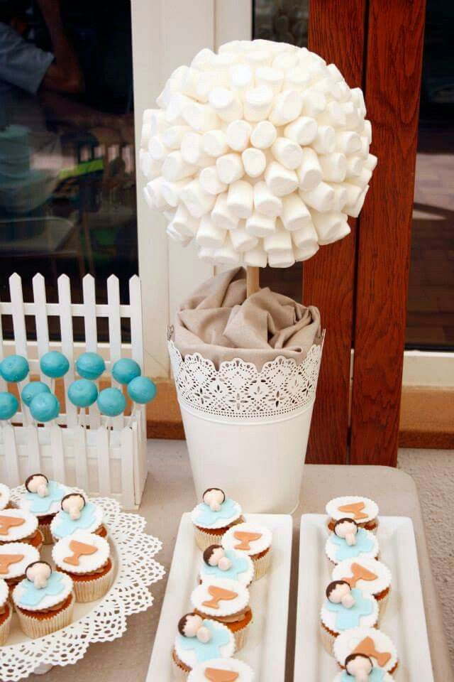 Marshmallow topiary