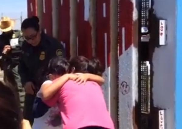 La efímera pero emotiva apertura del muro fronterizo México-EUUU | Pulso USA - Yahoo Noticias