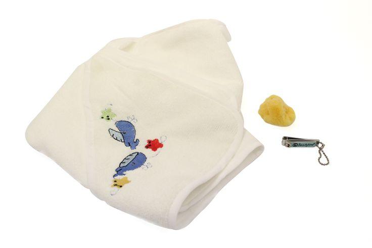Happy baby: Taglia unghie baby di sicurezza, spazzolina per unghie, spugna mare mignon, accappatoio per bebè superassorbente. La felicità attraverso gli occhi di un bambino.