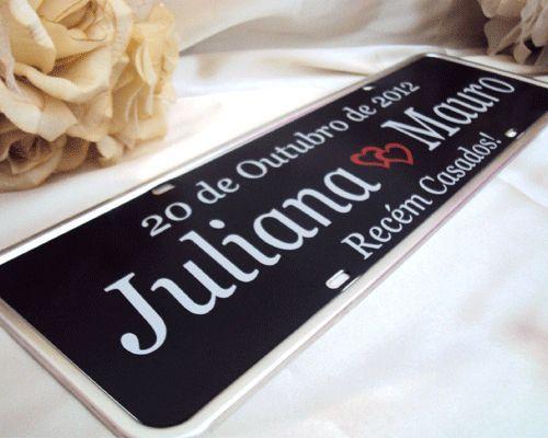 Placa para carro dos noivos personalizada.