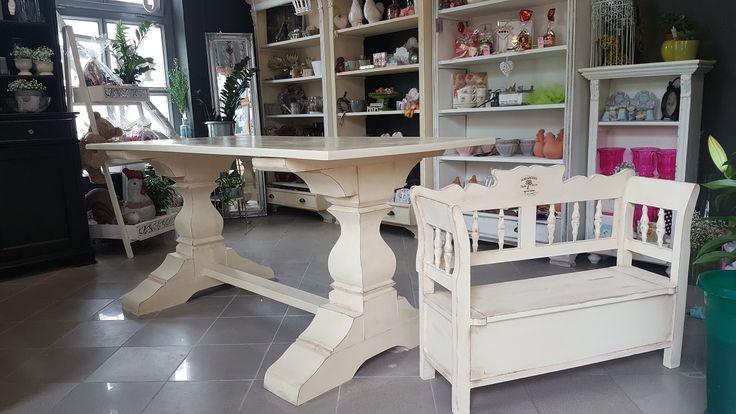 Country étkező asztal .Tömör fa bútorok antikolt kézi festés viasszal kezelve.Nézd meg webáruházunkba.