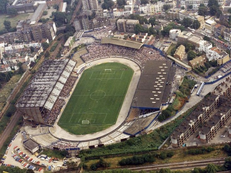27 August 1984: Aerial view of Stamford Bridge during the match Chelsea 1-0…