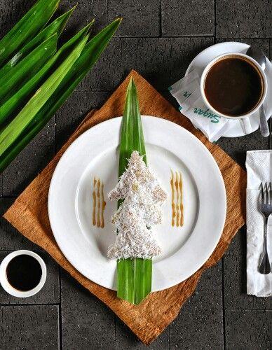 Indonesian food. Lupis