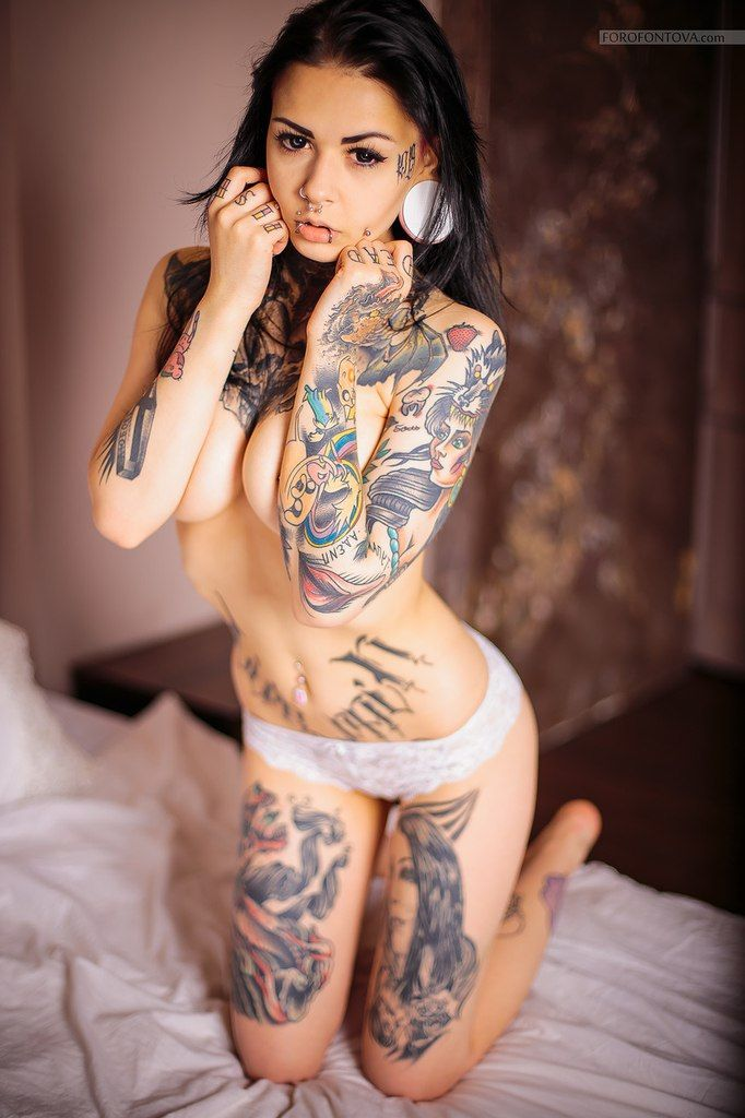 Nude inked babes