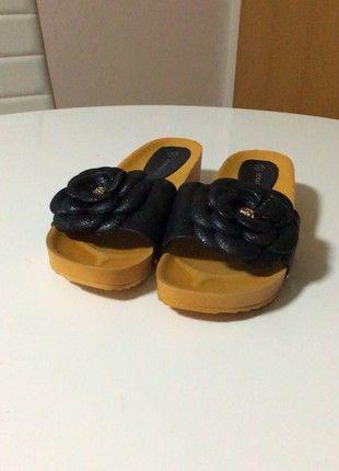 Nové stylové pohodlné pantofle na klínu