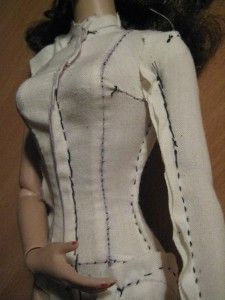 Interesting tutorial from sempstress.org on how to clone a doll in cloth for making samples or a dress form