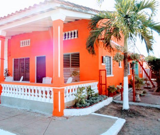 Tropical Cuban Holiday Puerto Esperanza Accommodation Casa Particular Tour Cuba Pinar del Rio Viñales