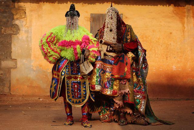【先祖と接続する服】アフリカの聖地に降臨した「エグングン」に深層心理が恐れまくる