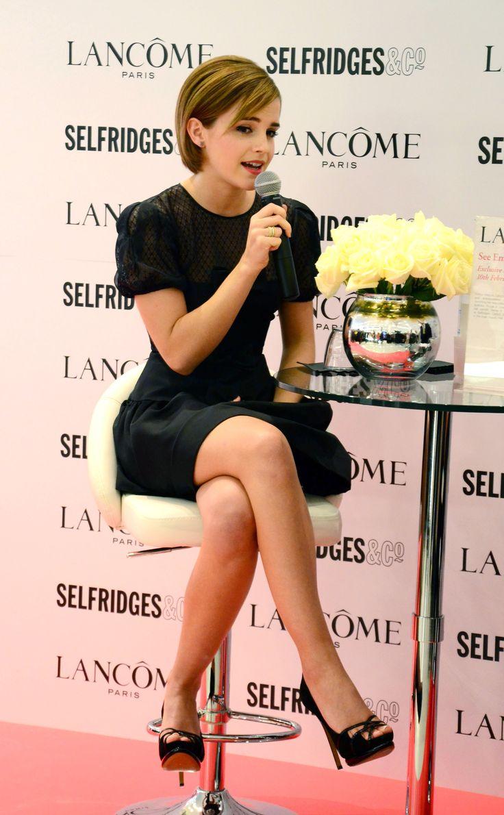 Emma-Watson-Feet-608568.jpg (2864×4632)