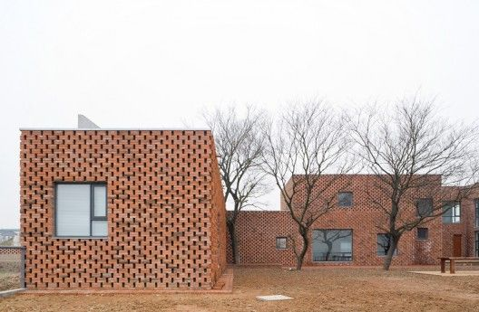 Brick House / AZL architects