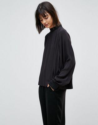 Weekday – Bluse mit Sweatshirt-Schnitt