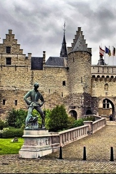 Wonderful Antwerp - Discover Antwerp with Citypath, the ultimate digital city platform for tourists & locals! Go to: antwerp.citypath.eu