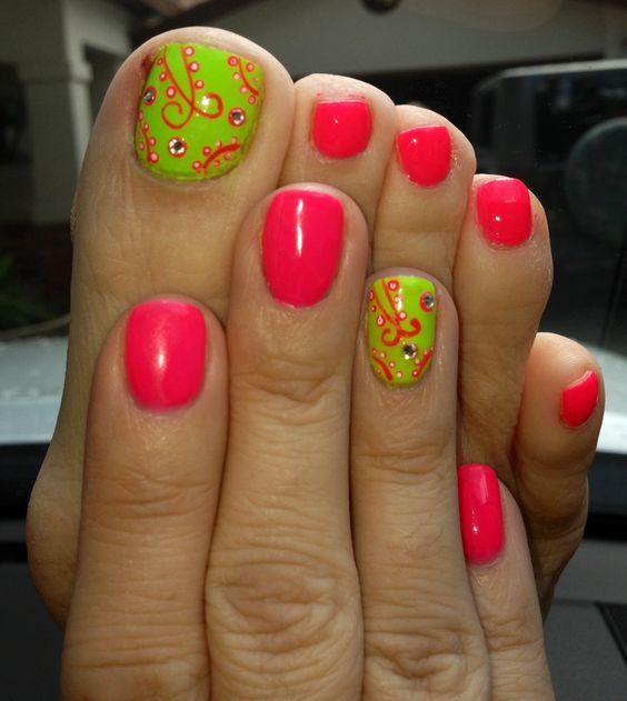 green toe nails ideas