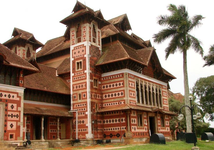 Colonial architecture is an architectural style from a mother country that has been incorporated into the buildings of settlements or colonies in distant locations. Description from snipview.com. I searched for this on bing.com/images