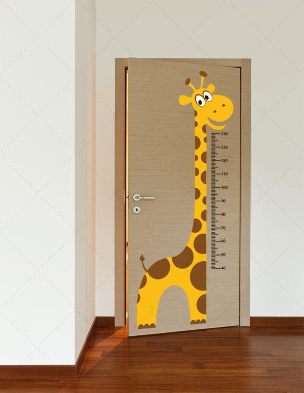 Régua de crescimento Girafa  em vinil autocolante decorativo para decoração Infantil. Aplique esta imagem em qualquer superfície lisa (paredes, portas, janelas, mobílias, etc.) e decore a casa a seu gosto. Disponível em 1 tamanho. http://www.iconstore.pt/infantil/115-regua-de-crescimento-girafa-.html