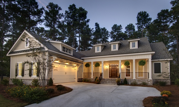 Love this overall look, though we have less width Hampton Hall Low Country Home…