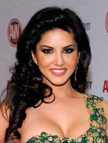 Sunny Leone keen to do family drama