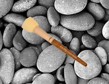 Earthly Essentials Make-up Foundation Sponge -- Check out the image by visiting the link. (This is an Amazon affiliate link)