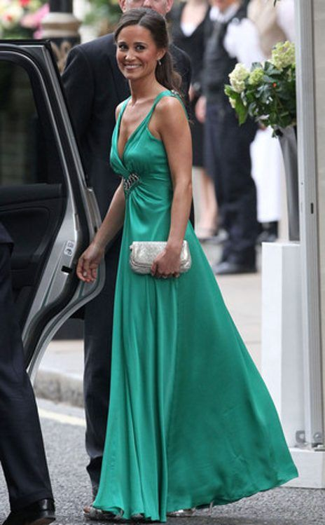 Pippa Middleton looking fabulous in the #coloroftheyear