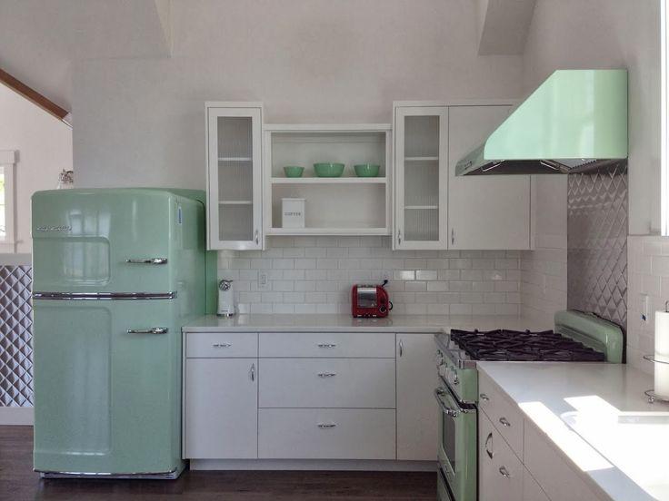 74 best retro kitchens & kitschens images on pinterest | retro