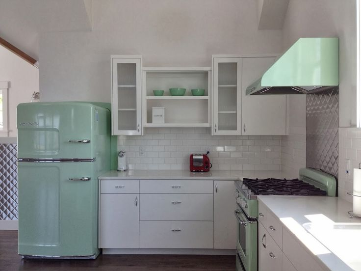 """My kitchen is white, with granite counter tops, I will get the Turquoise/Robin Blue appliance from Elmira Cant wait!  """" Retro: The Way To Go"""