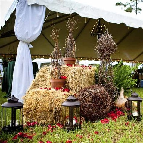 62 best images about rehearsal dinner on pinterest for Bales of hay for decoration