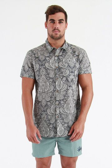 Giving it more woop than an All Blacks fan at a semi final, the new collection of Stussy gear is FORMIDABLE. Big word; yeah we know - coz it deserves it. Es-pesh the Cedar Cotton Short Sleeve Shirt. Eagerly awaiting your next big night out, this one's short sleeved, paisley printed and ready to shark all that fine summer talent.