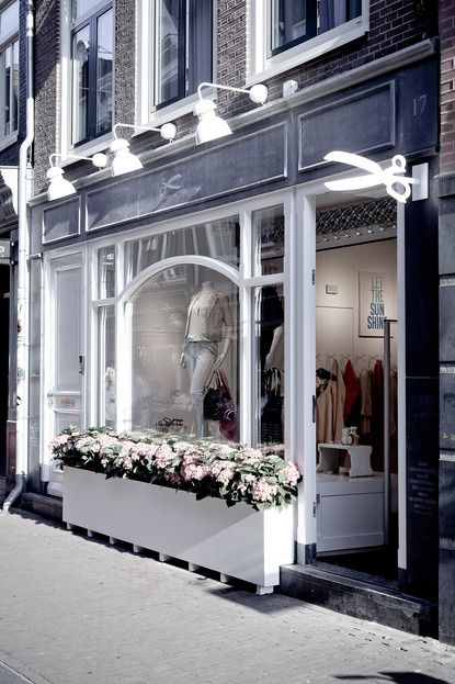 The Denham Women's Boutique. Awesome! I love the attention to detail in their design and the excellent craftsmanship.