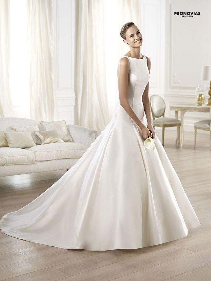 FASHION PRONOVIAS-51 abiti ed accessori, per #matrimoni di grande classe: #eleganza e qualità #sartoriale  www.mariages.it