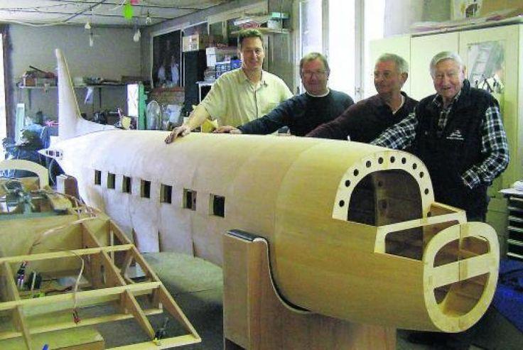 plan d'avion geant rc | Terssac. Ils construisent un avion radiocommandé de huit mètres de ...