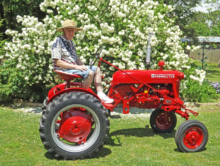 ❤️💛💚Garden Tractors offer great usability for round the year use. The ride on lawn tractors can also be outfitted with attachments for extra versatility.❤️💛💚#tractorsupplyco #tractorseat #tractorsofinstagram #tractorsupplycompany #tractors4 #tractorsareforgirls #tractorsexy #tractorstools #tractorsazitabriz #tractorswag #tractorsfordays #tractorsarecool #tractorspotting #tractorseverywhere❤️💛💚