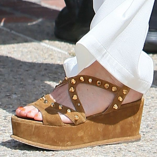 5 Cute Chill-Out Shoes Spotted at Joel Silver's Memorial Day Party