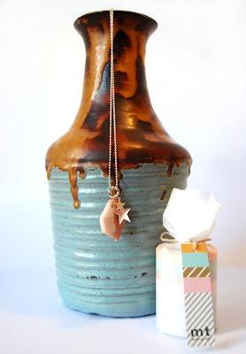 Viva Vintage! Beautiful vase to light up the room!