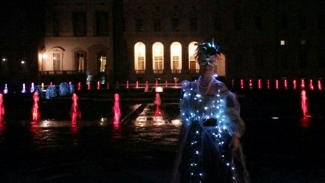 È rimasta una ballerina illuminata:sarà Cenerentola?
