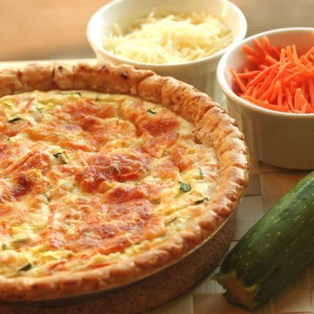 Quiche feuilletée aux oignons et carottes