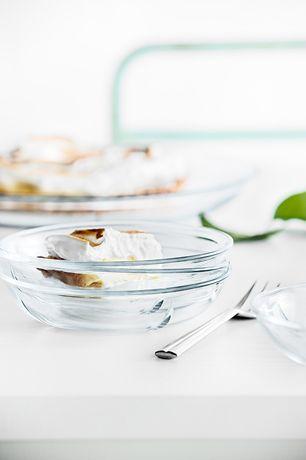 Zestaw 4 talerzy - GRAND CRU SOFT - 16 cm - DECO Salon. Set of four glass dessert plates in a series of Grand Cru Soft is ideal for serving desserts - ice cream, cakes or fruit salads. #tableware #kitchen #dladomu #zastawa #rosendahl #gift #design #scandinaviandesign