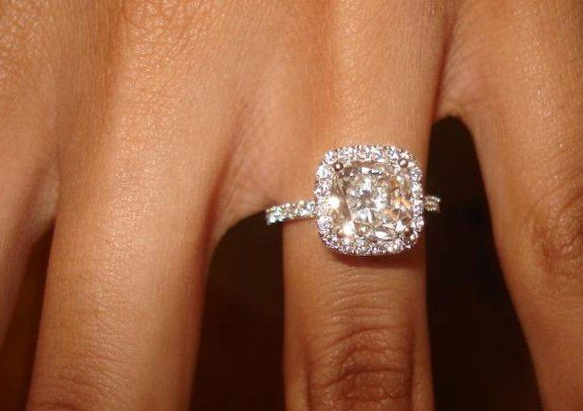 perfect - big center stone, thin diamond band with or without halo